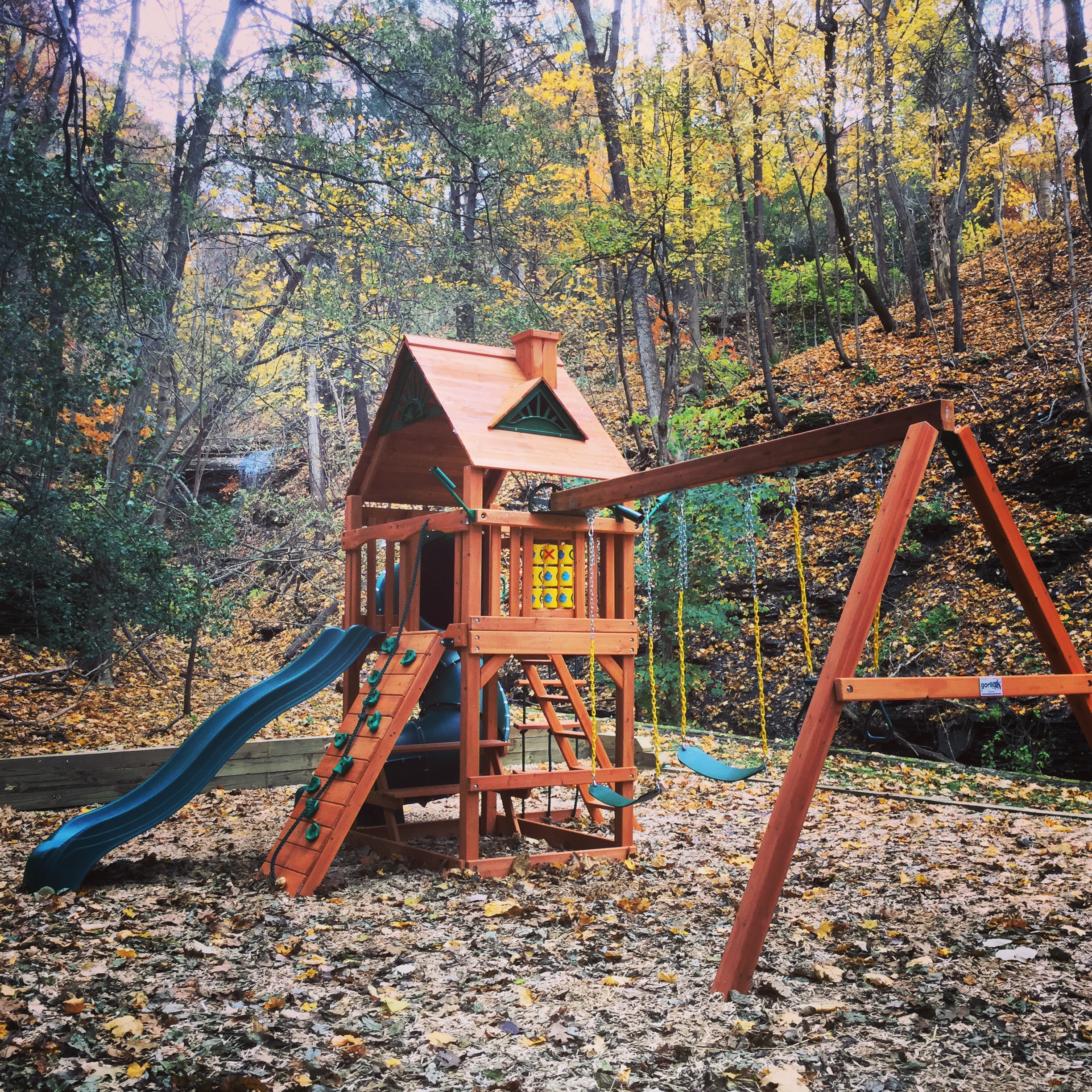Fall Haven Apartments - Playground.jpg