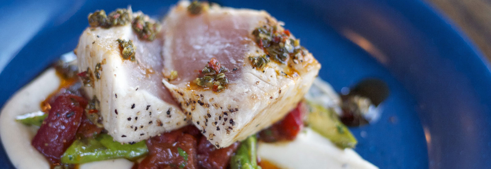 slider-fish-bar-market-fish-tuna.jpg