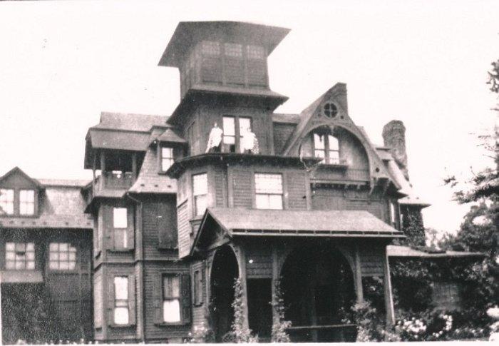 Horace Brock Mansion.jpg