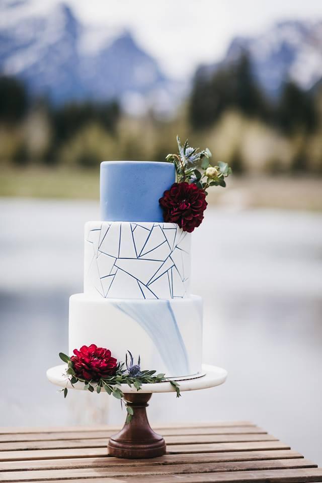 Geometric and blue wedding cake | Utah Wedding Cakes