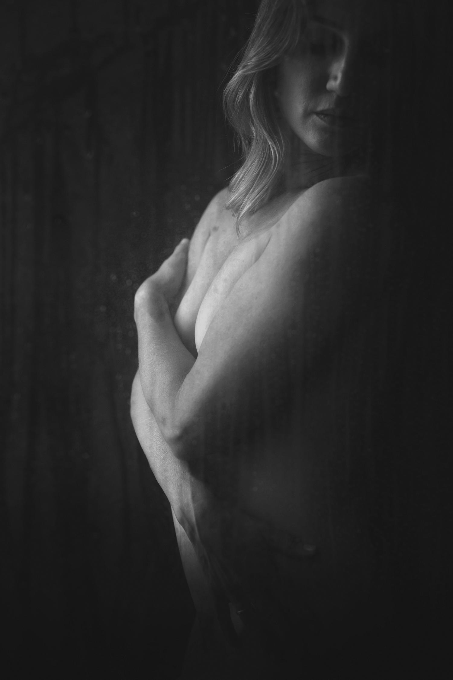 atx-austin-boudoir-shower-artistic-kbb-04.jpg