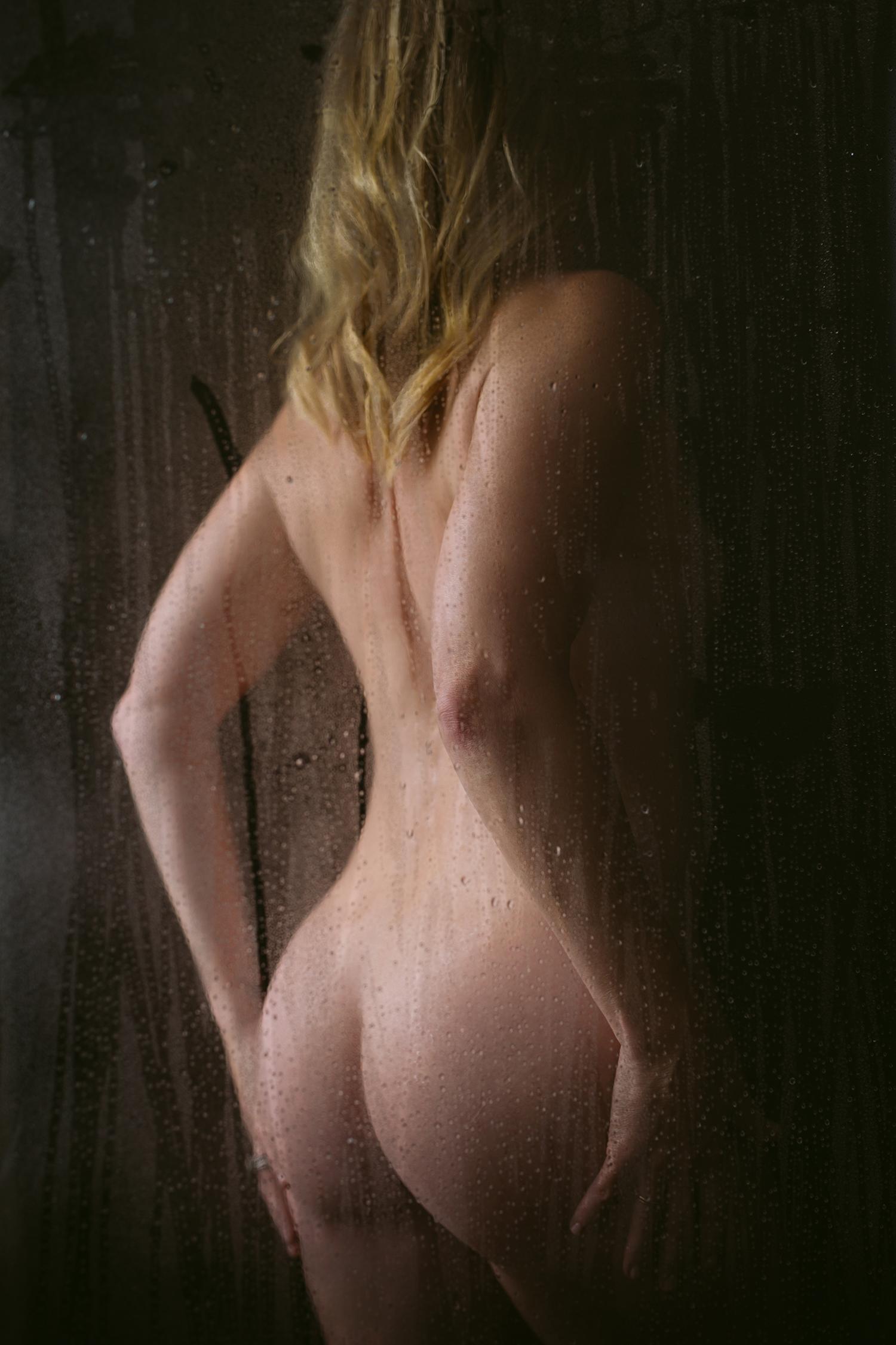 atx-austin-boudoir-shower-artistic-kbb-06.jpg