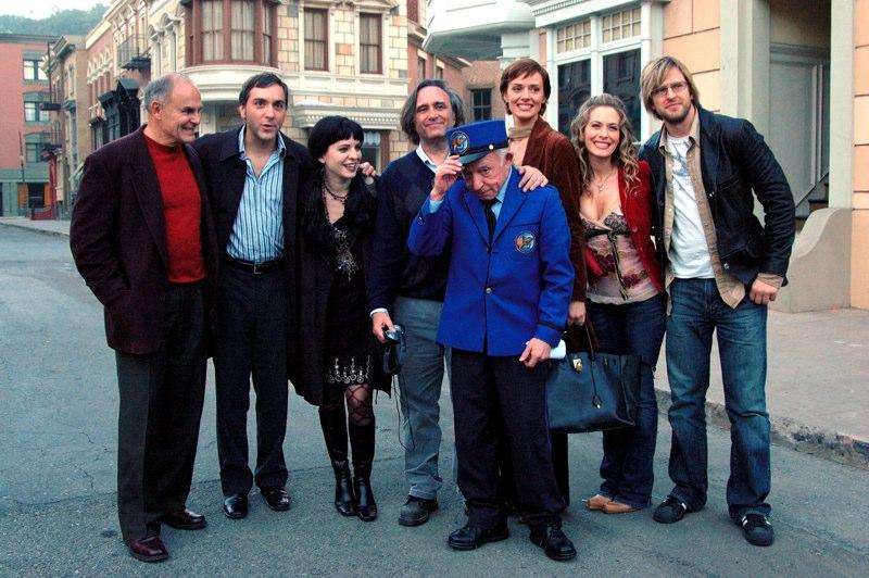 (l - r) John Saxon, Scott, Michele-Barbara Pelletier, dir. Joe Dante, Henry Gibson, Lara Harris, Rachel Veltri & Jayce Bartok