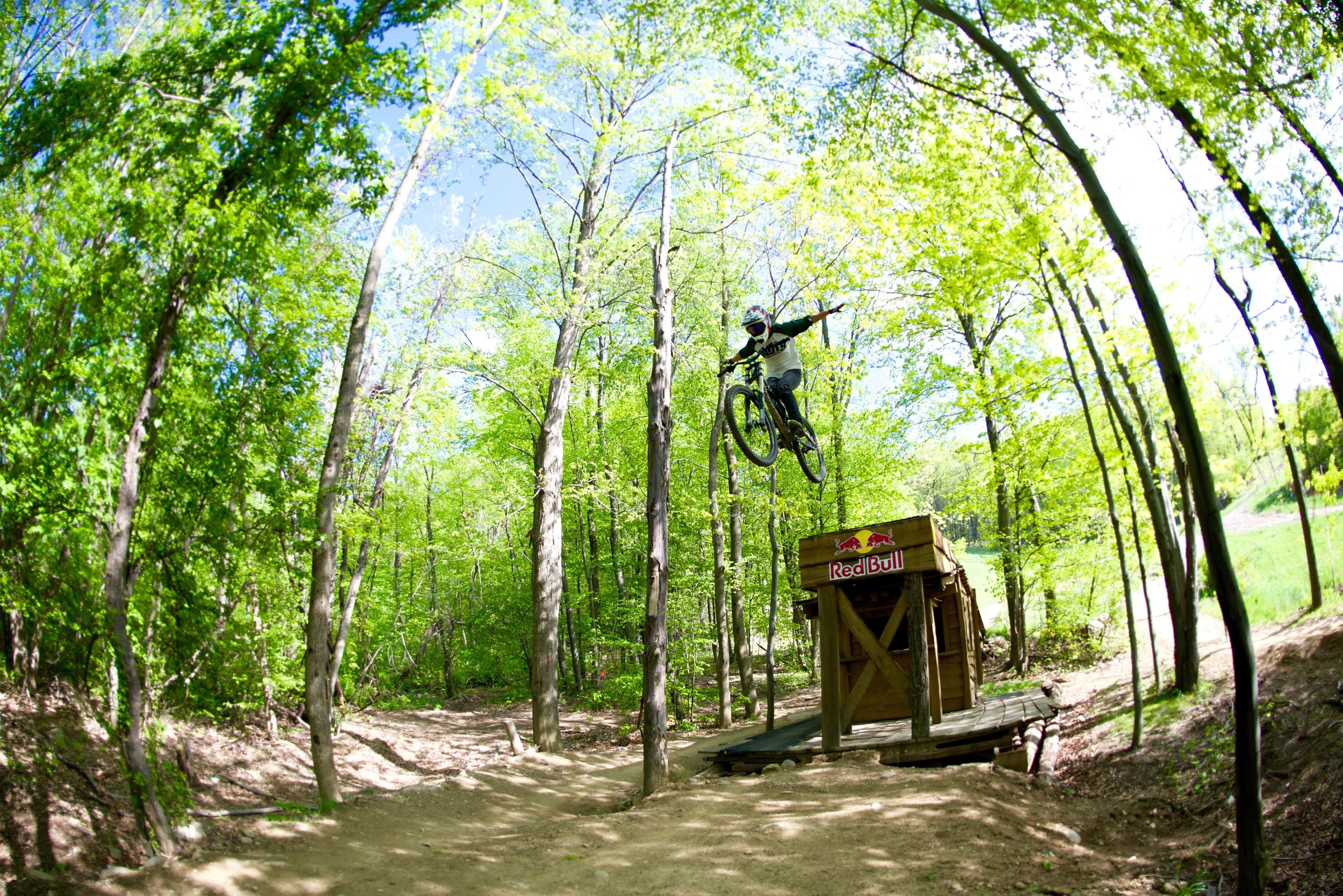 Ming has suicide no handers on lock down!! Mountain Creek bike park. Photographer: David Palling