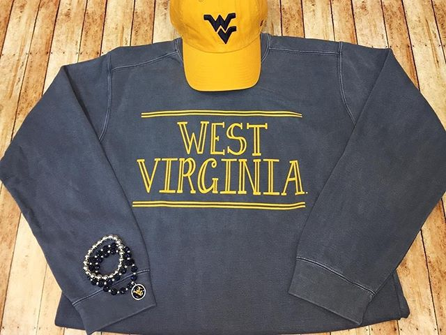 """It's finally starting to feel like fall, which means sweatshirt weather 😍🍂 Check out @alumnihall for some of our favorite Comfort Colors Sweatshirts!⠀ ⠀ Alumni Hall WVU on Instagram: """"Our boys are taking the country roads out of town to face Kansas this weekend! 🏉"""" https://buff.ly/2m975Dv"""