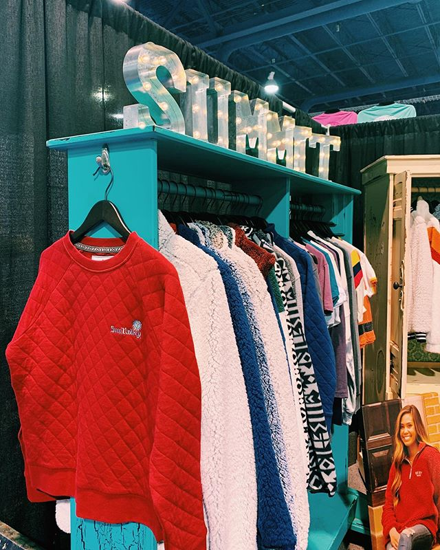 Day ✌🏼of the Souvenir and Gift Tradeshow - come check us out at booth 2042!