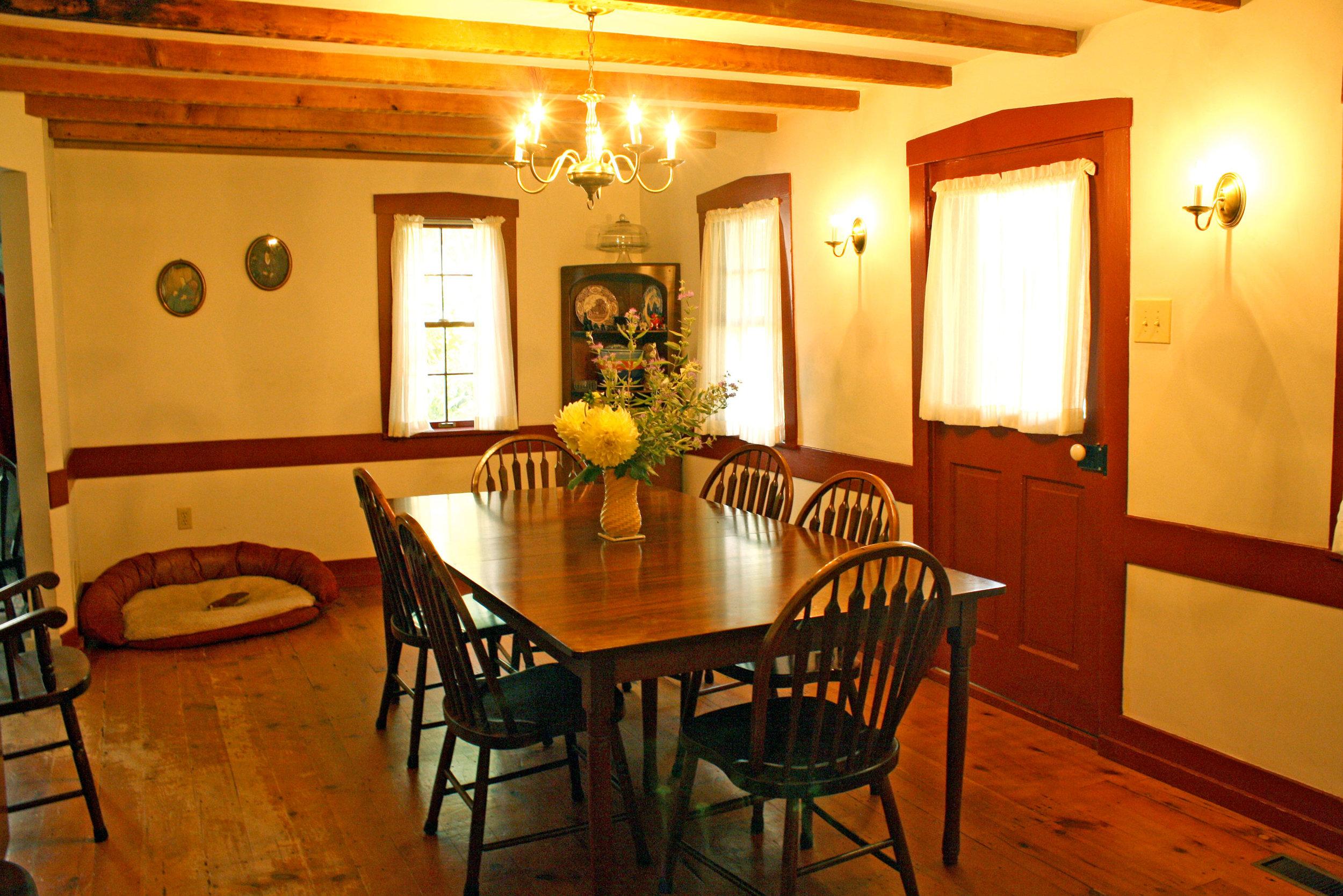 old-dining-room.jpg