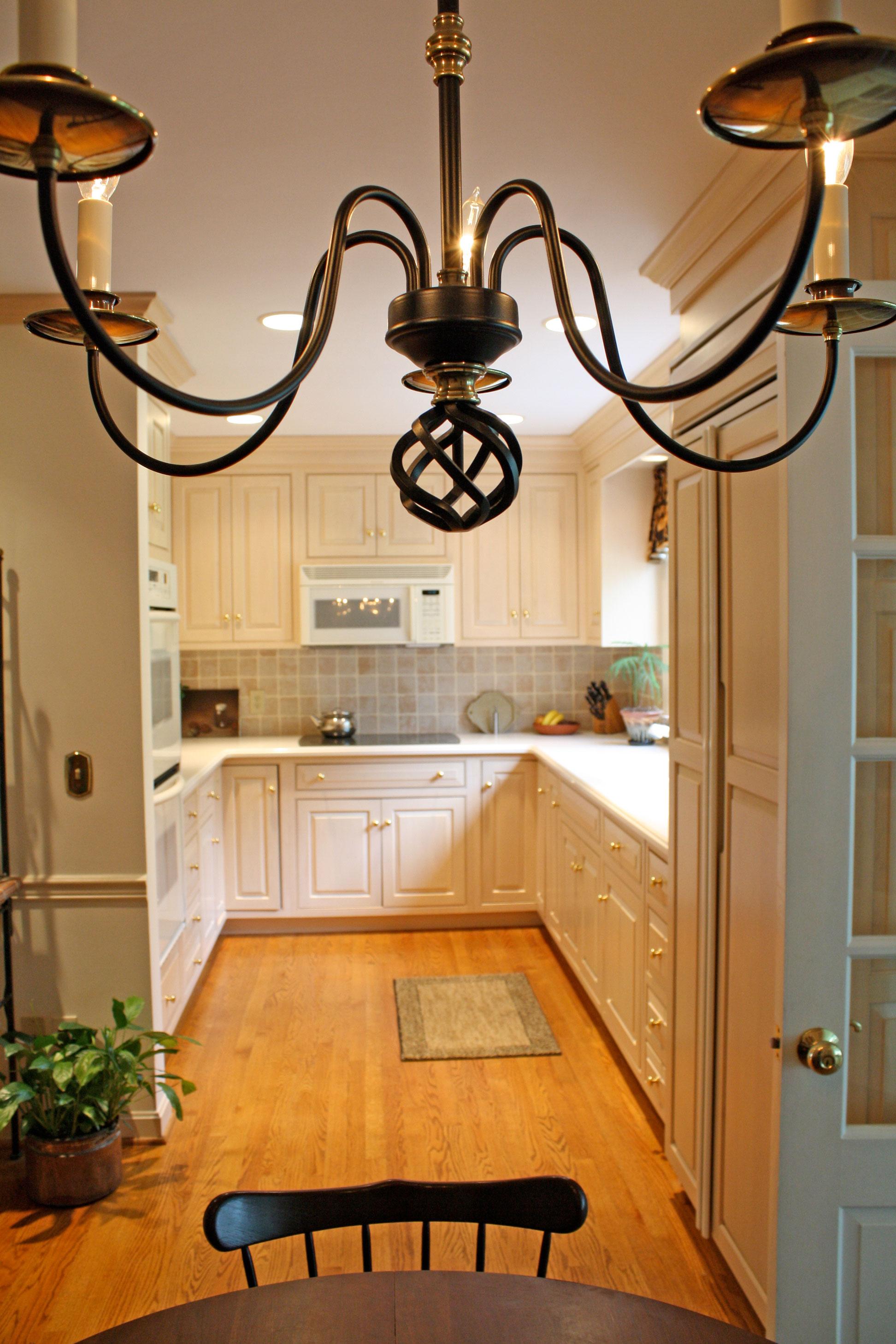 kitchen-beige-cabinets-full-view.jpg