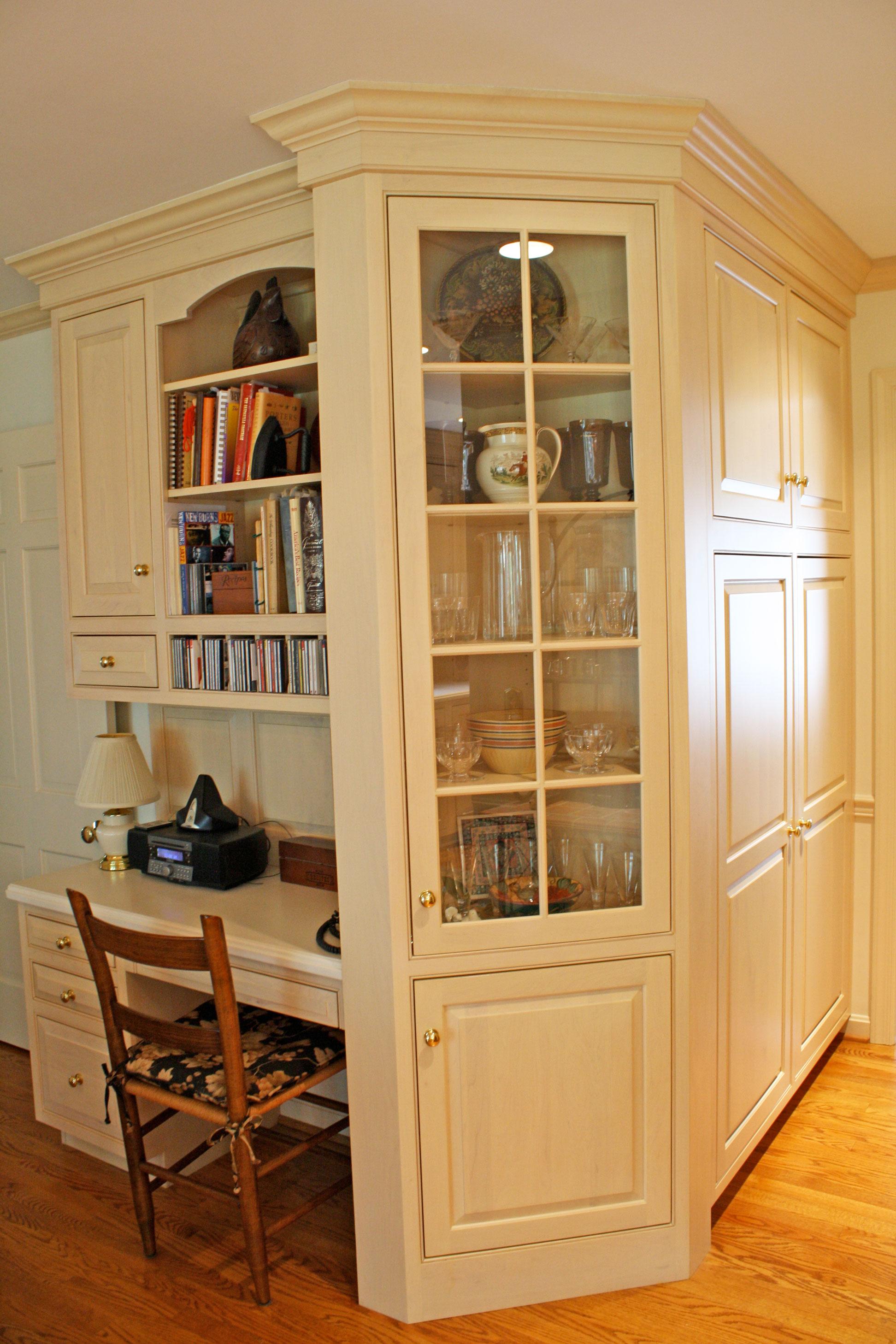 kitchen-beige-cabinets-desk-area.jpg