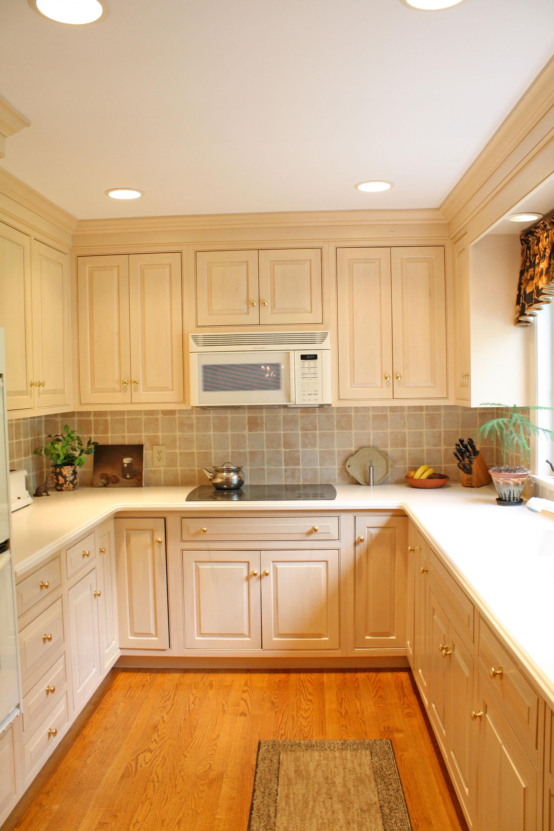 kitchen-beige-cabinets.jpg
