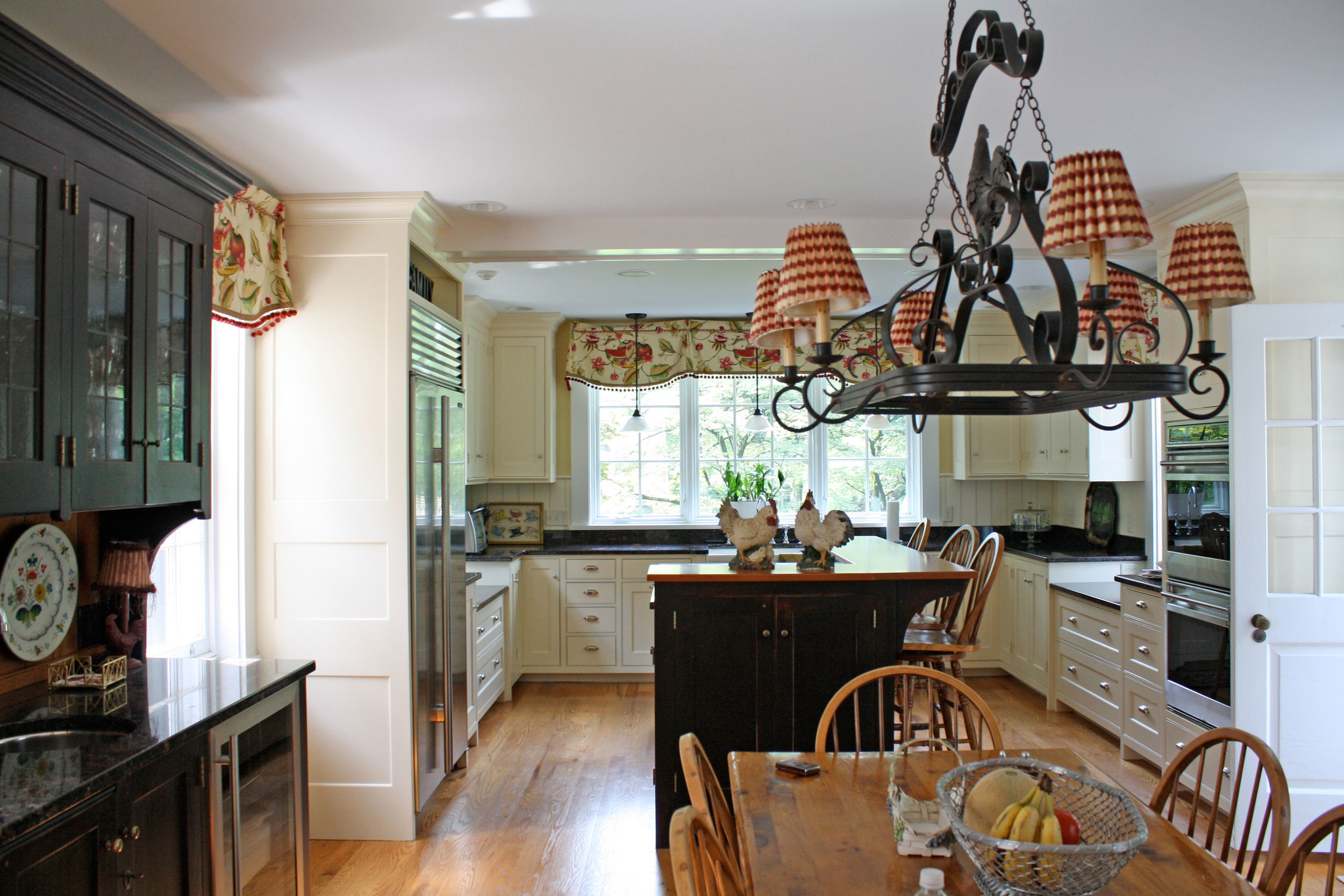 country-kitchen-full-view.jpg