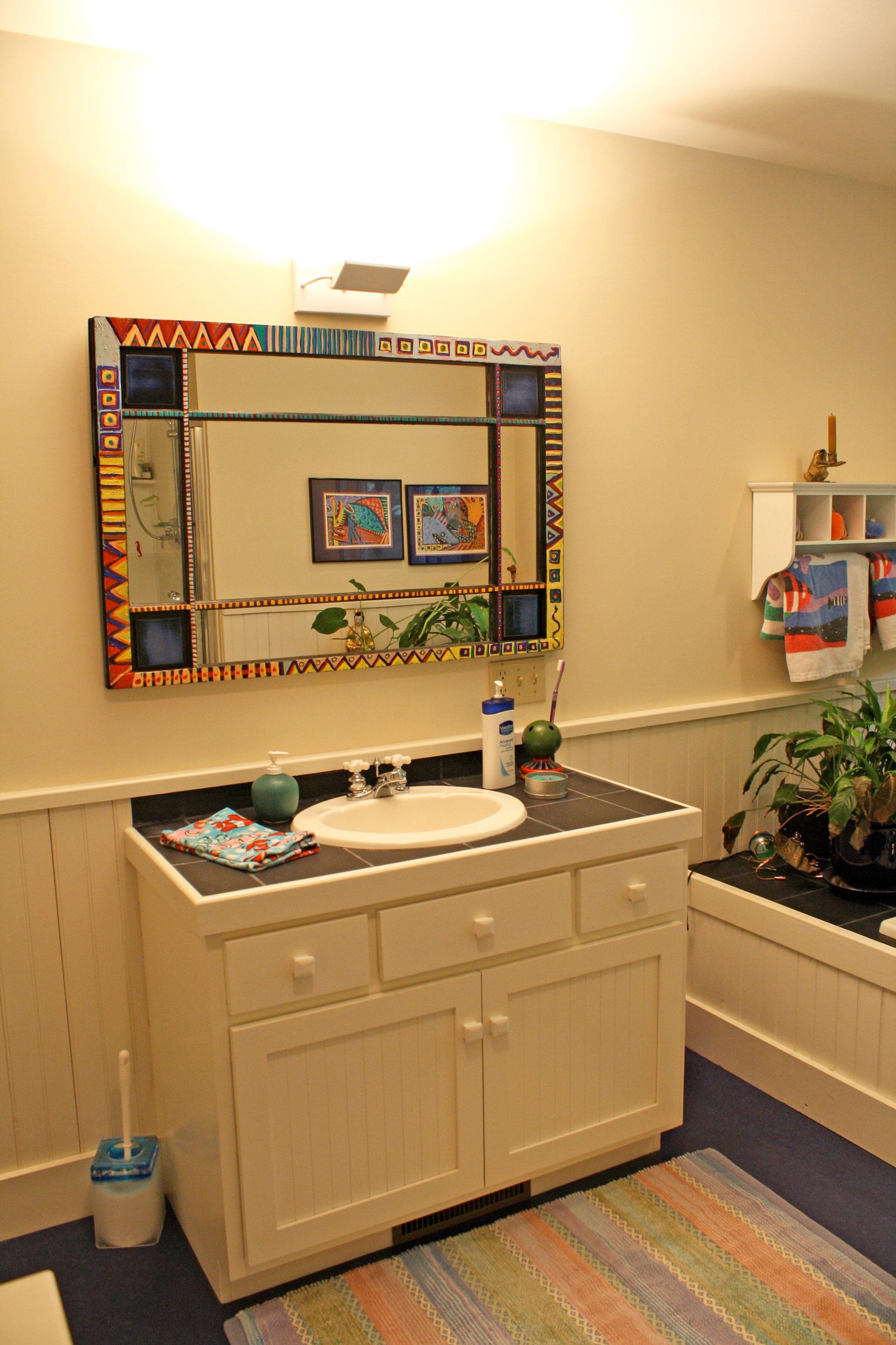 bathroom-colorful-mirror.jpg
