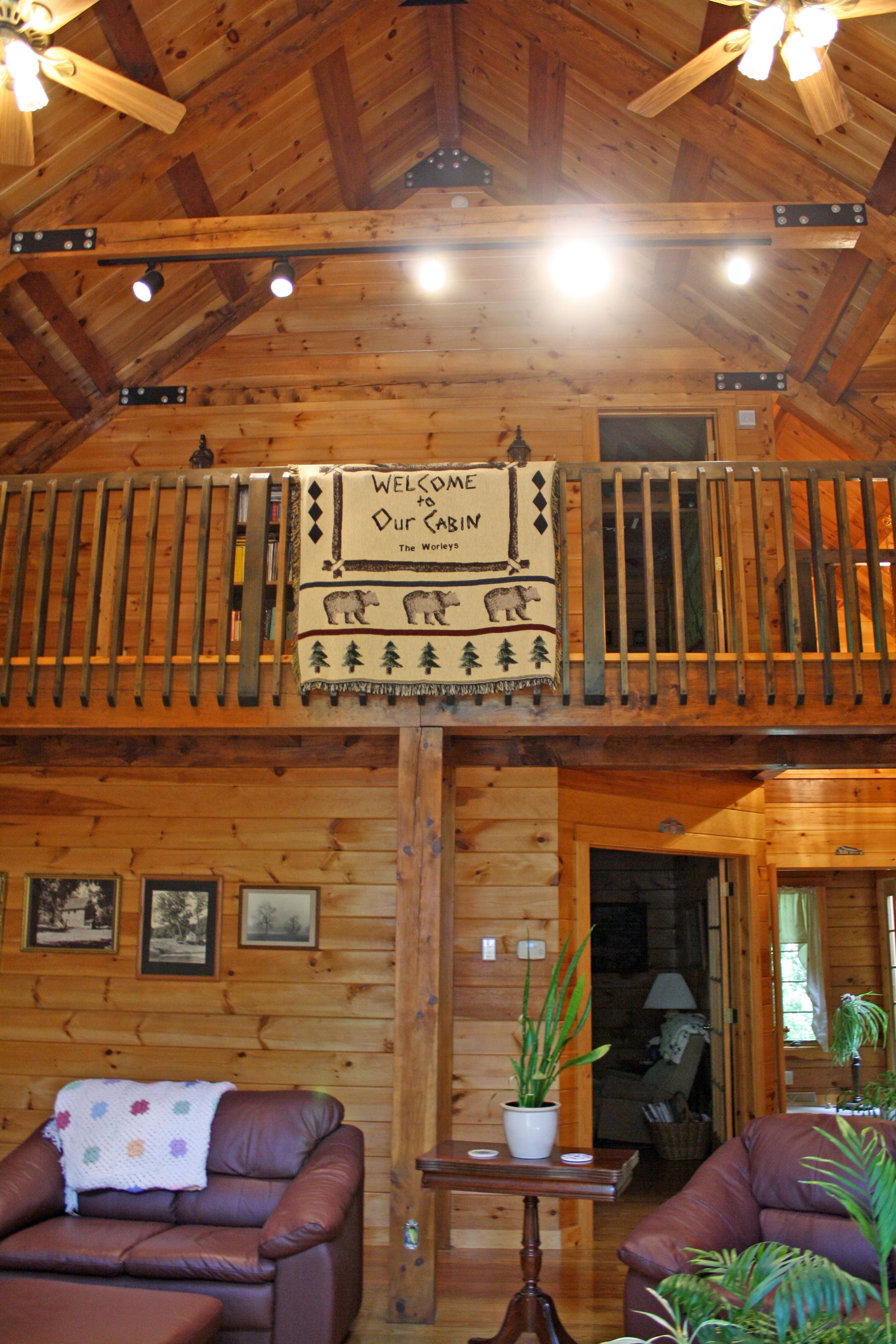 cabin-interior-upper-level.jpg