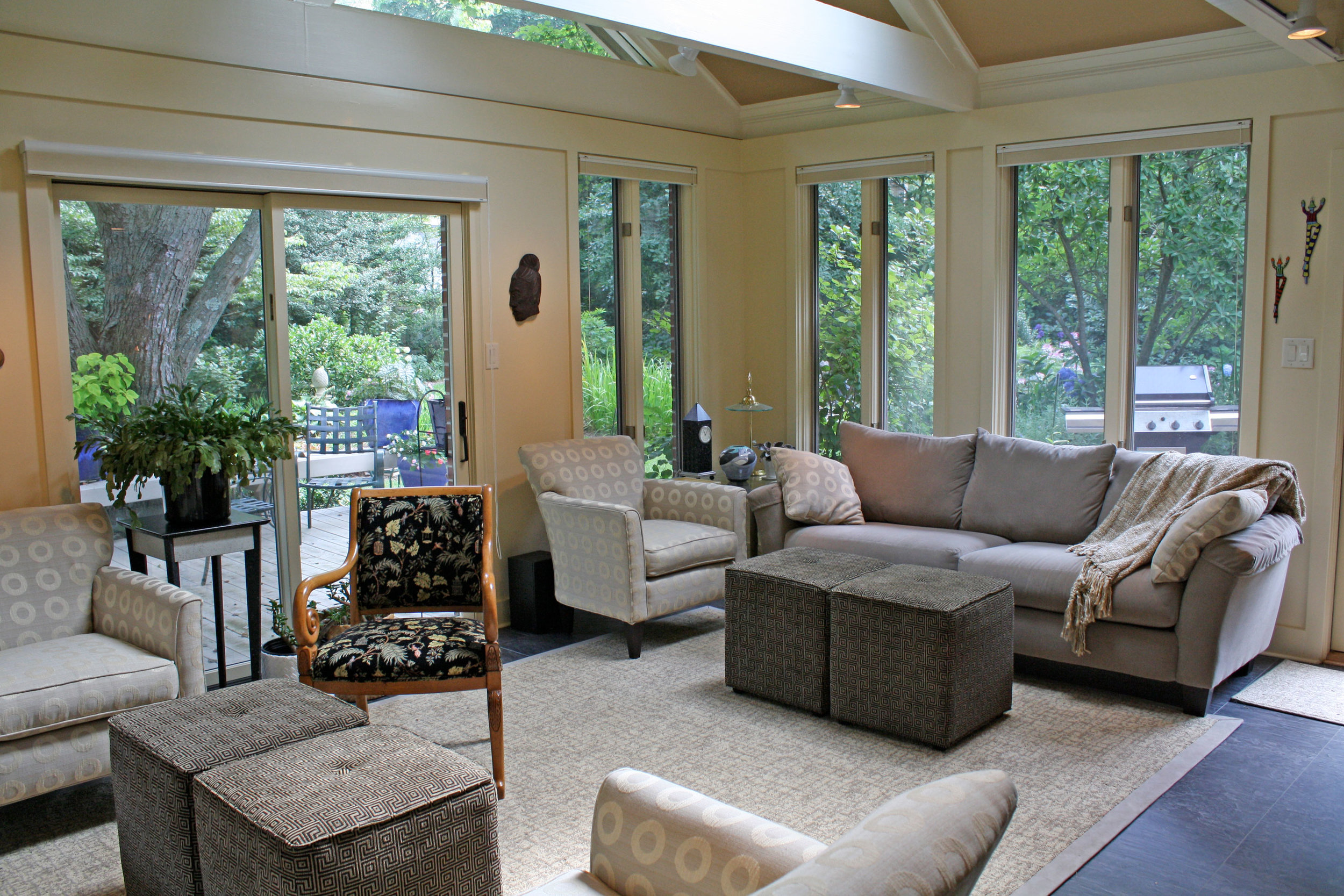 contemporary-living-room-full-view.jpg