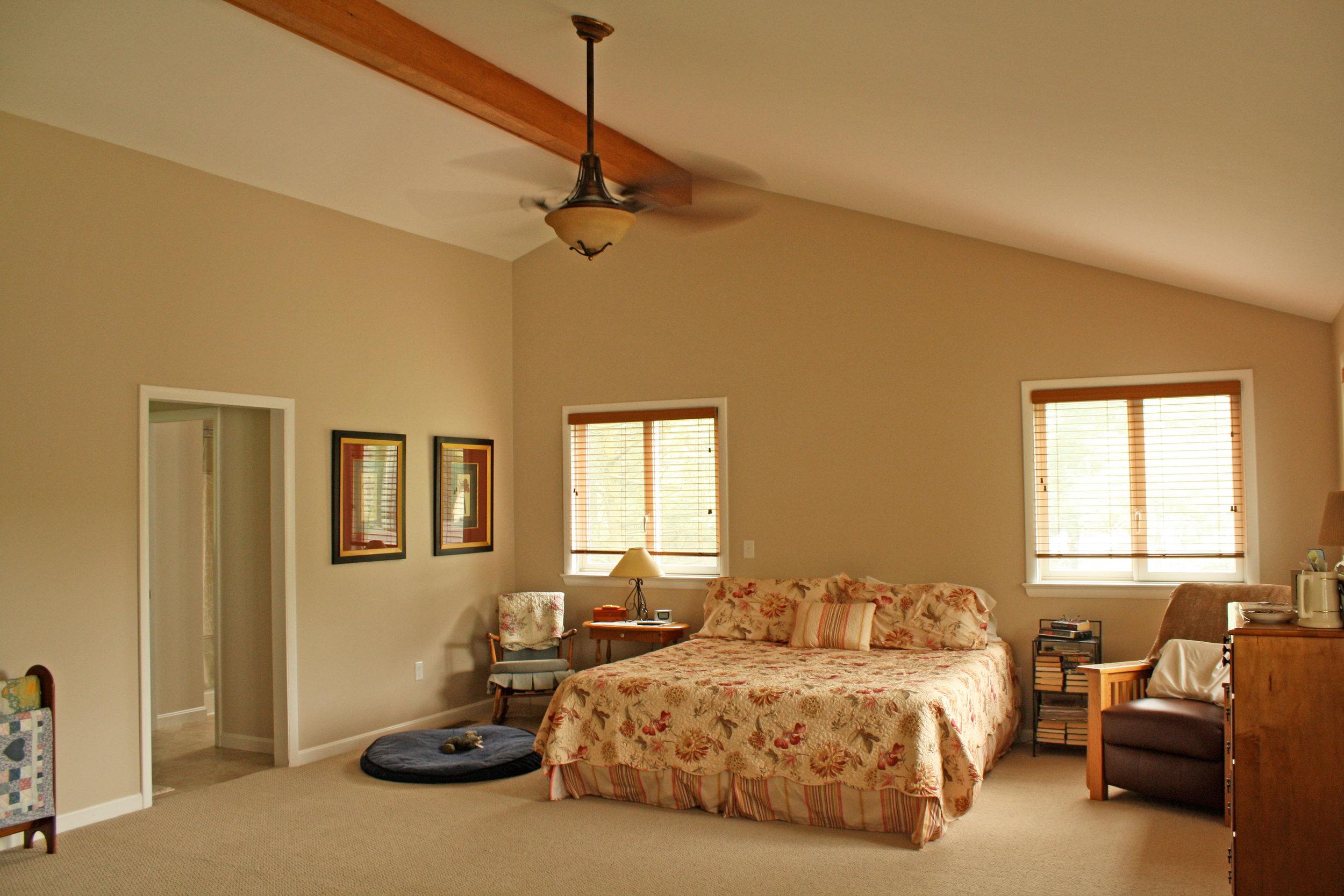 bedroom-beige-walls.jpg
