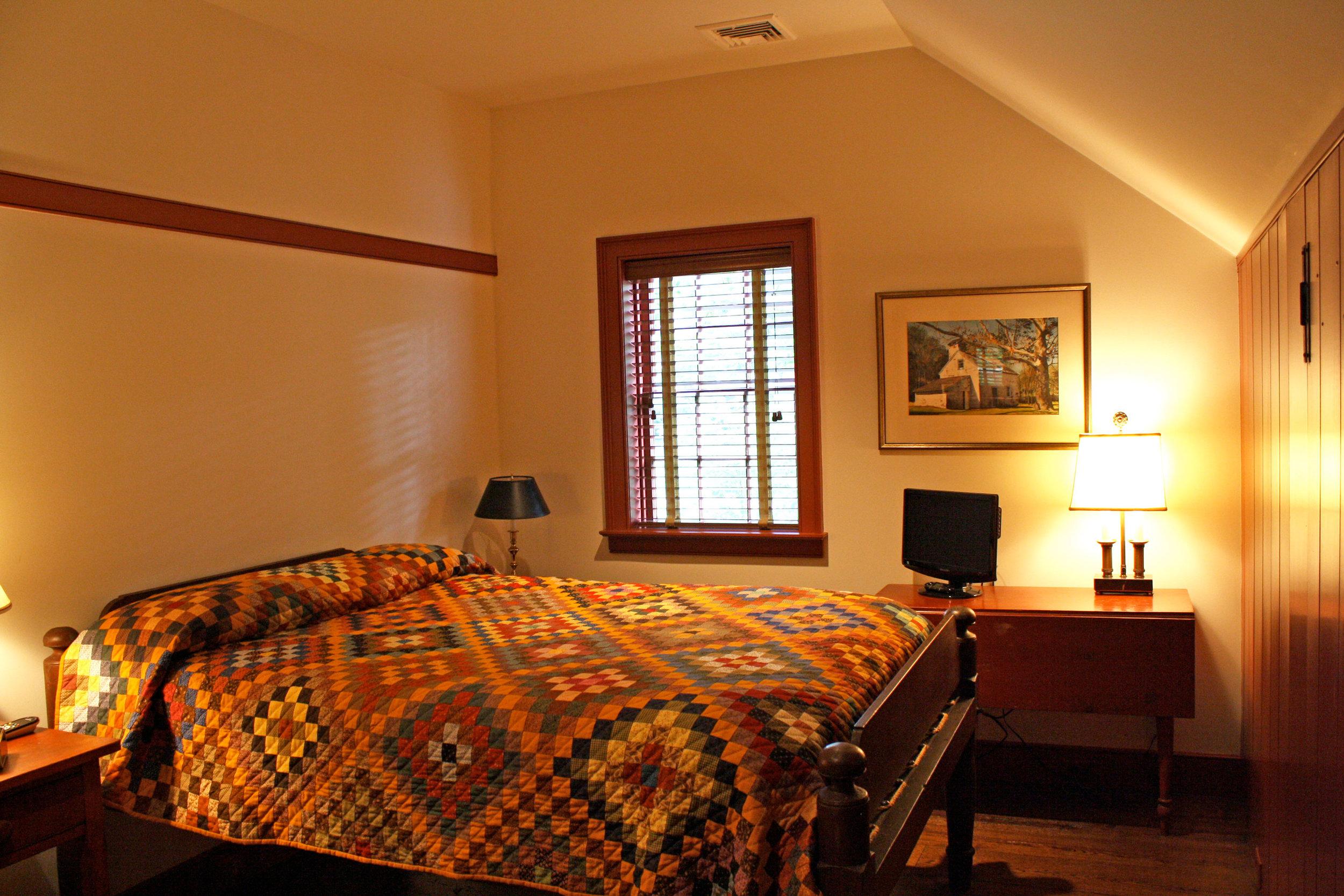 bedroom-quilt.jpg