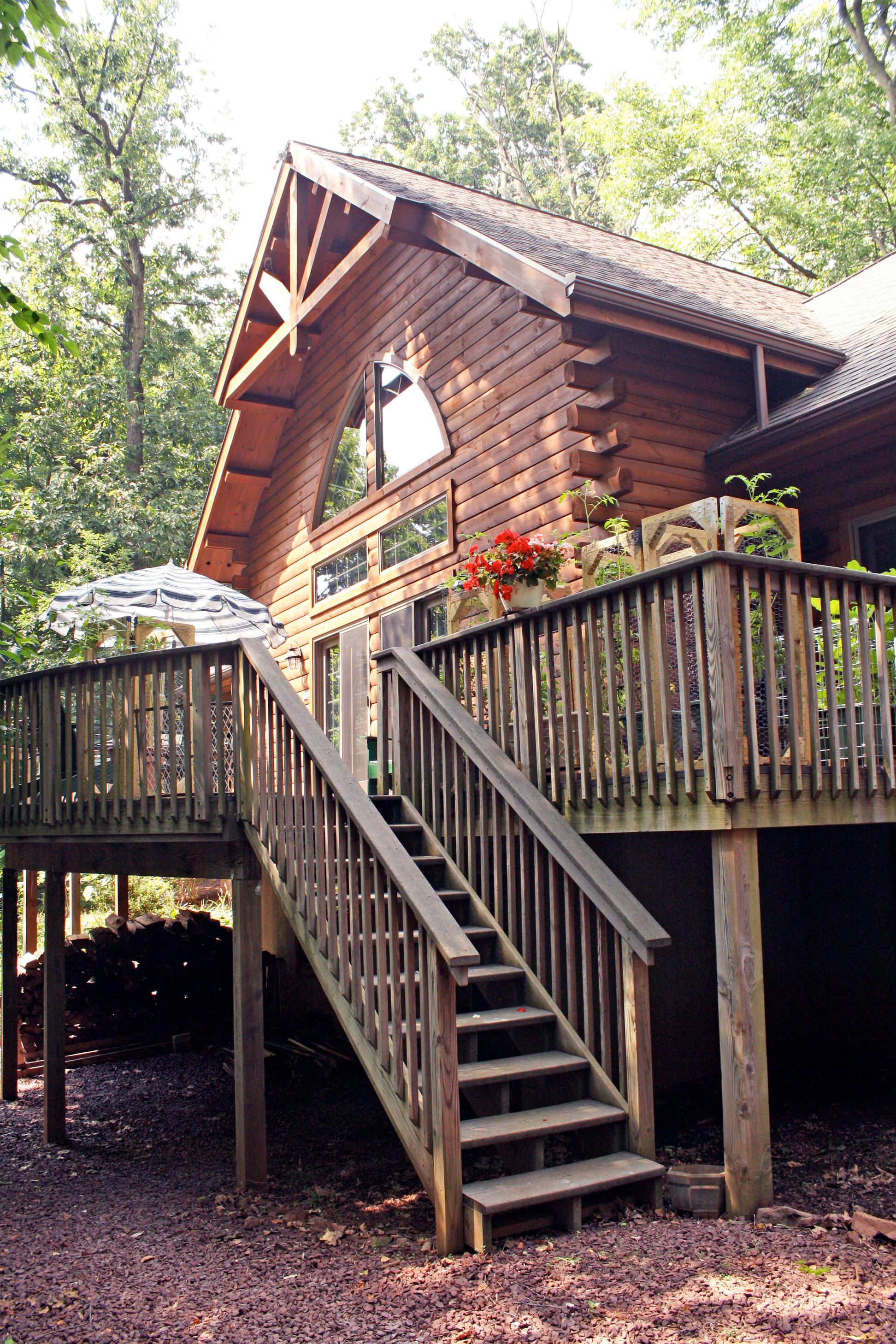 log-cabin-exterior-at-deck-steps.jpg