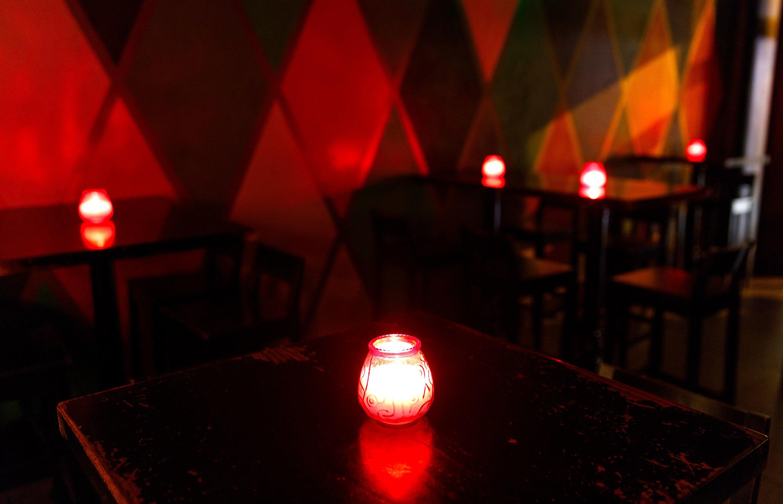 Cozy Topsy's Bar