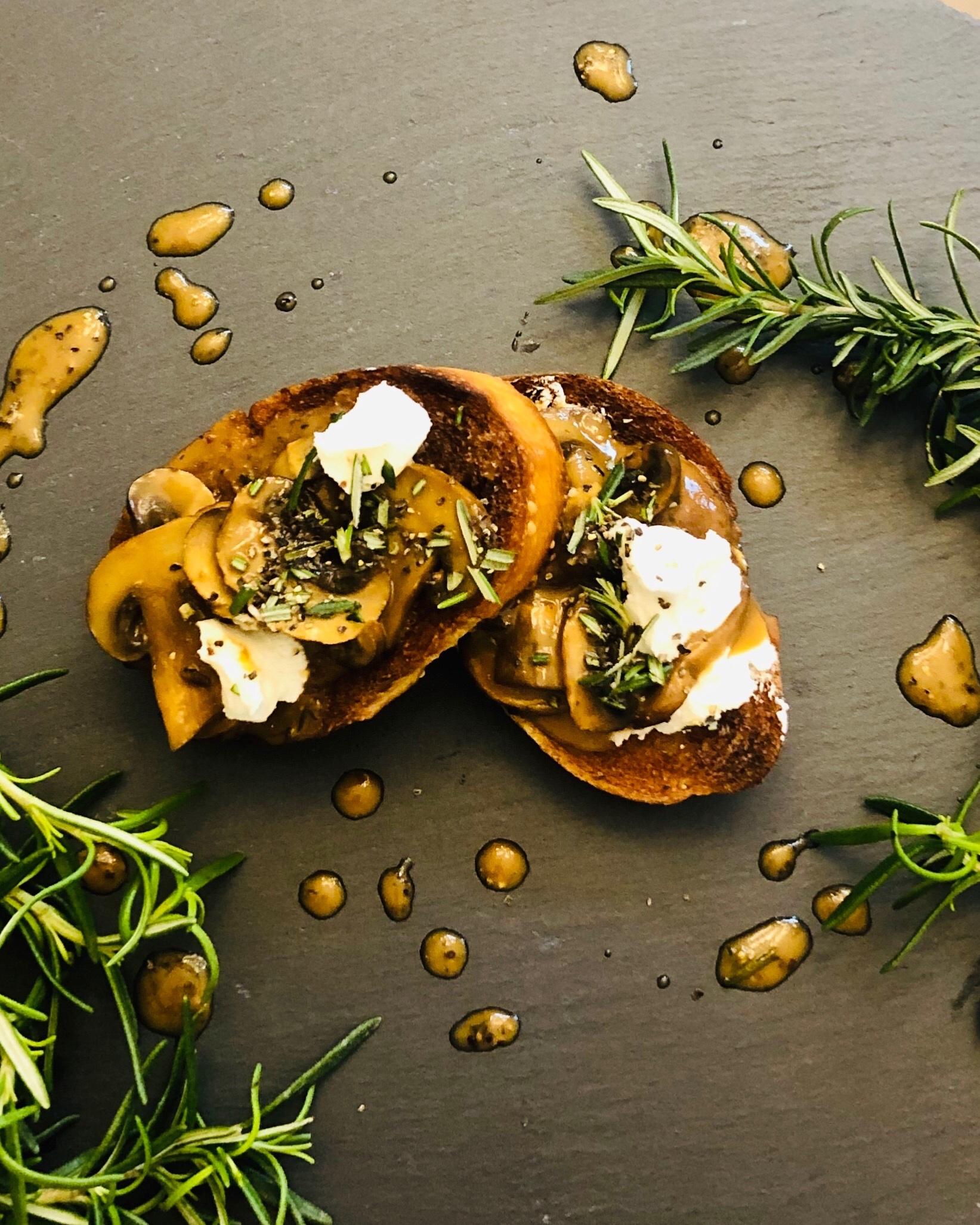 marsala mushroom crostini.jpg