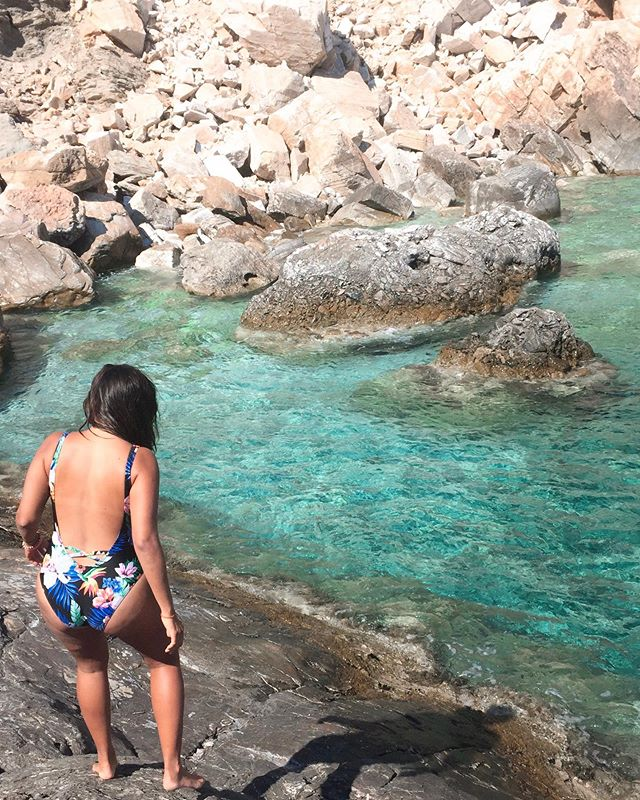 Never Bay ♥️ All the world is made of faith, and trust, and pixie dust 🧚‍♀️ | #sandyinios #europeansummer ⠀⠀⠀⠀⠀⠀⠀⠀⠀ ⠀⠀⠀⠀⠀⠀⠀⠀⠀ #ios #iosisland #iosgreece #greeksummer #visitgreece #ilovegreece #greece #partyisland #unlimitedgreece #femmetravel #sheisnotlost #girlsborntotravel #wearetravelgirls #whereitravel #dametraveler #girlmeetsglobe #girlslovetravel #wanderlusting #mytravelgram #traveldiary #littlestoriesofmylife #whereitravel #takemeanywhere #wheretofindme #meettheworld #travelbuglife #sharetravelpics #stayandwander
