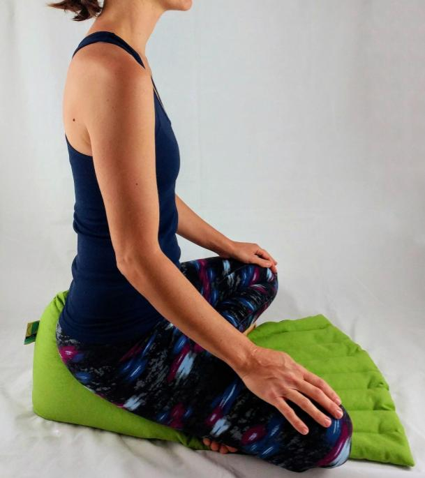 the caddy - Simple support, with a filled front mat to ease your feet and legs. Try it laying down too!