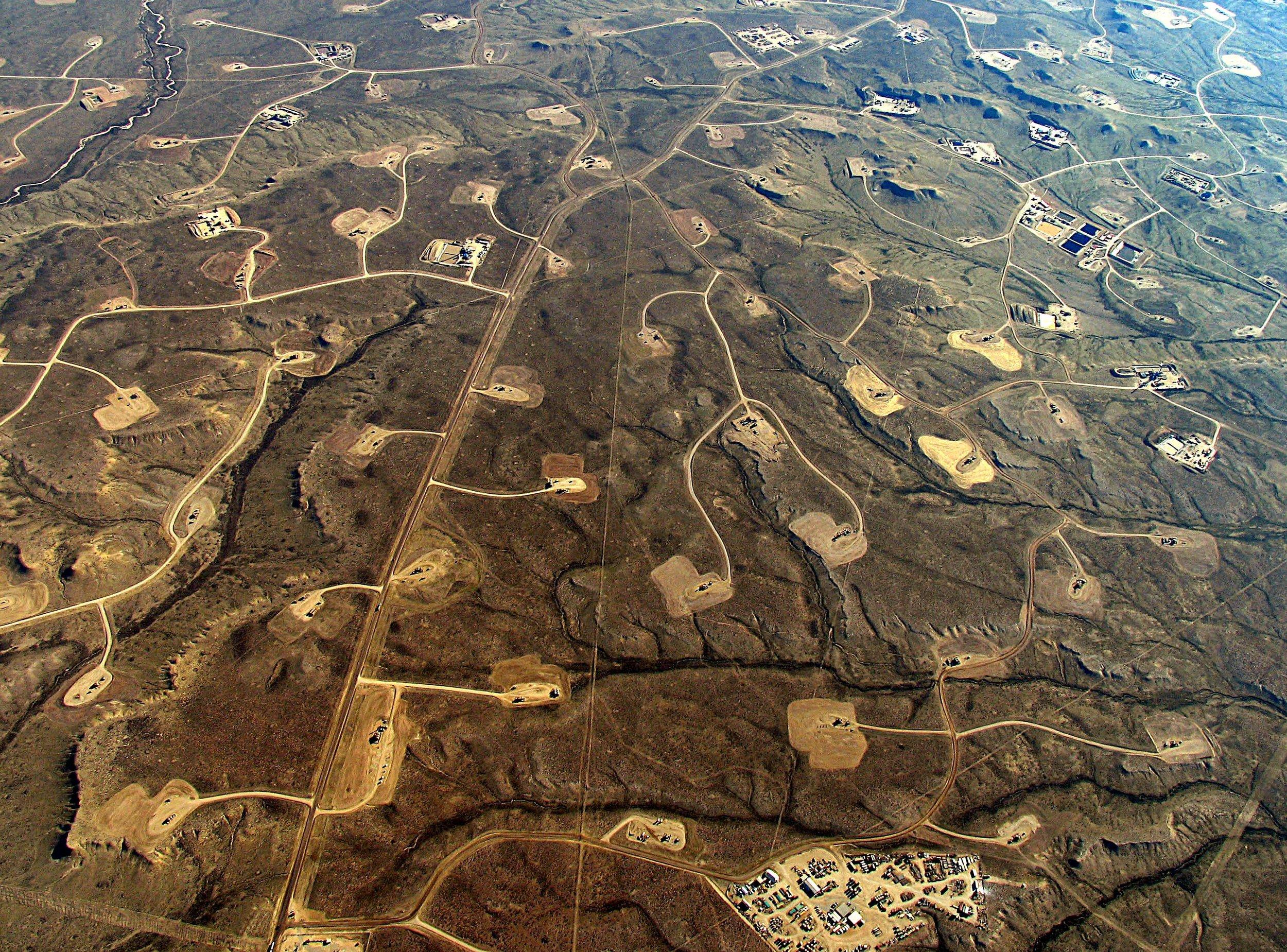 wyoming-jonah-oil-and-gas-crop.jpg