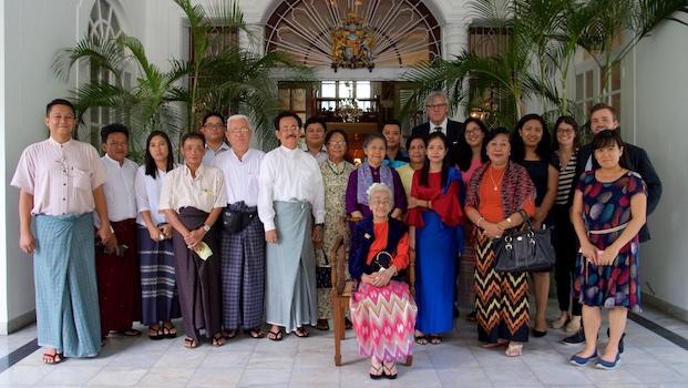 Embassy-Royals-Photos-21-2.jpg