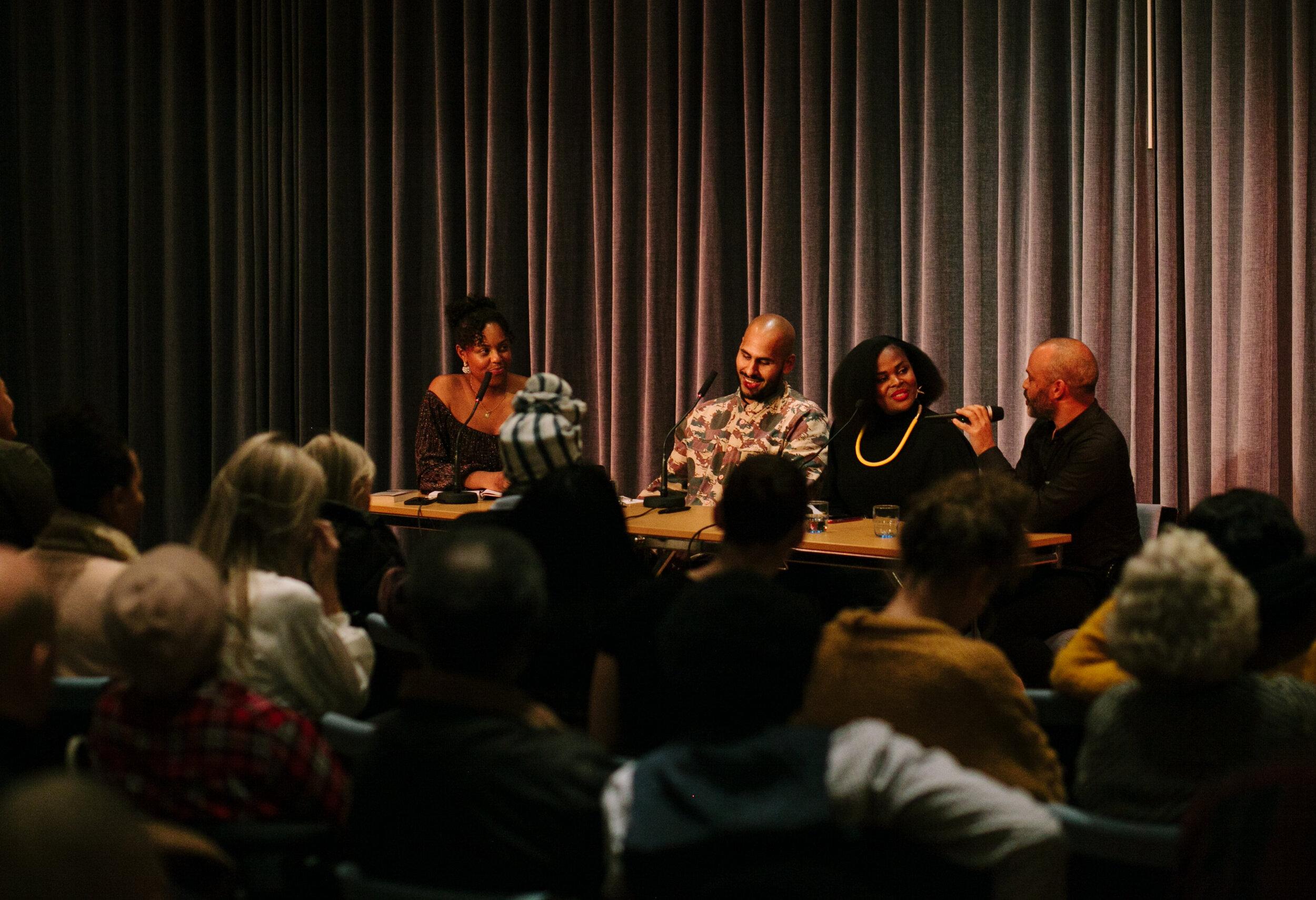 Panelen: Amie Bramme Sey, Amat Levin, Rafaela Stålbalk Klose och Michael Barrett. Foto: Sandra Åhman/Stockholms Kvinnohistoriska