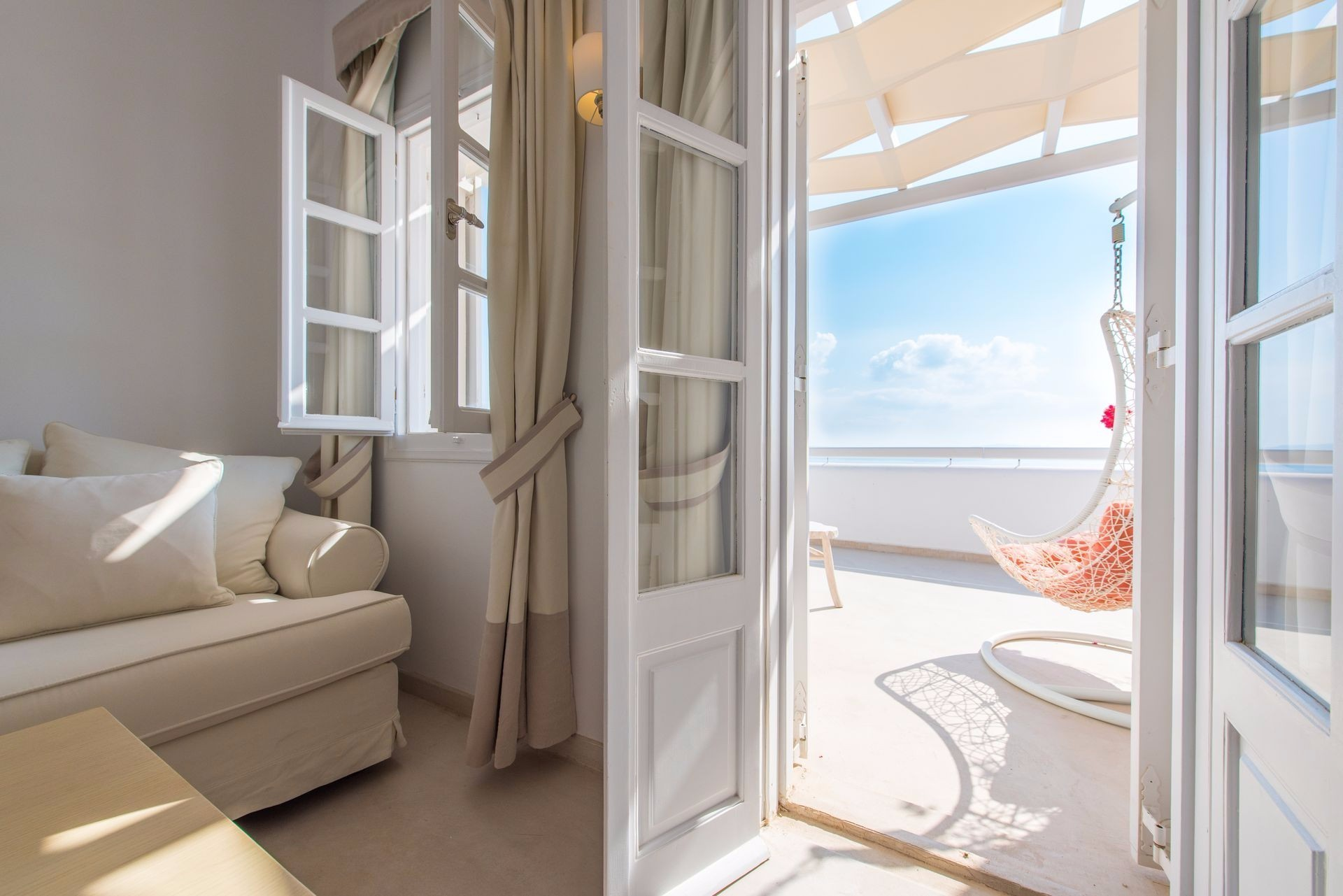 santorini-secret-suites-hotel.jpg
