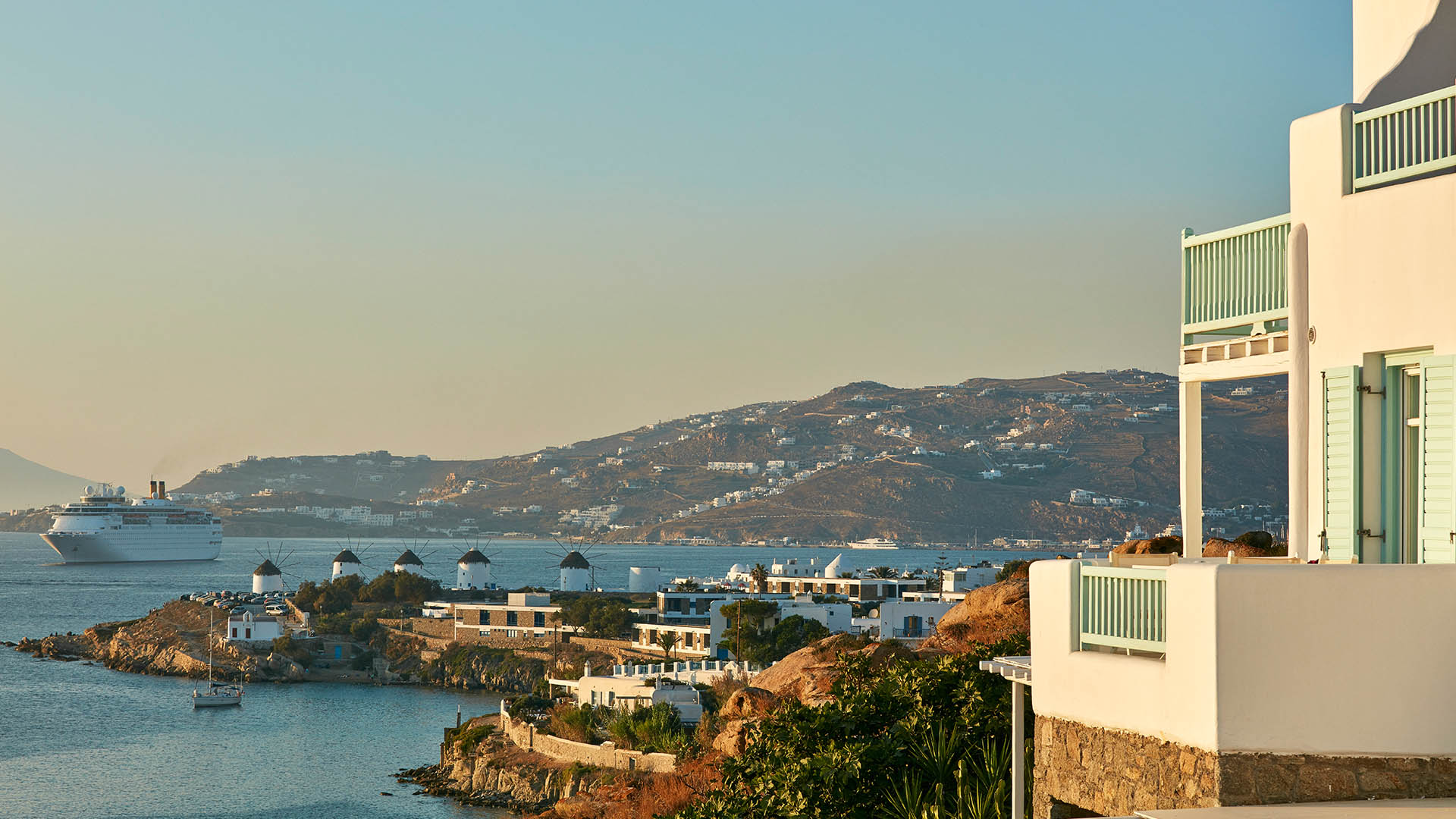 luxury-resorts-in-Greece.jpg