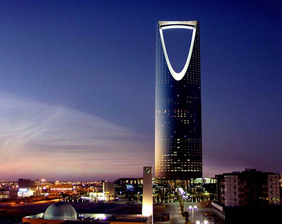 Debenhams Riyadh   o1creative worked closely with global, Kuwait based retail group Alshaya to create the largest department store in the Middle East anchoring the Kingdom Centre in Riyadh.