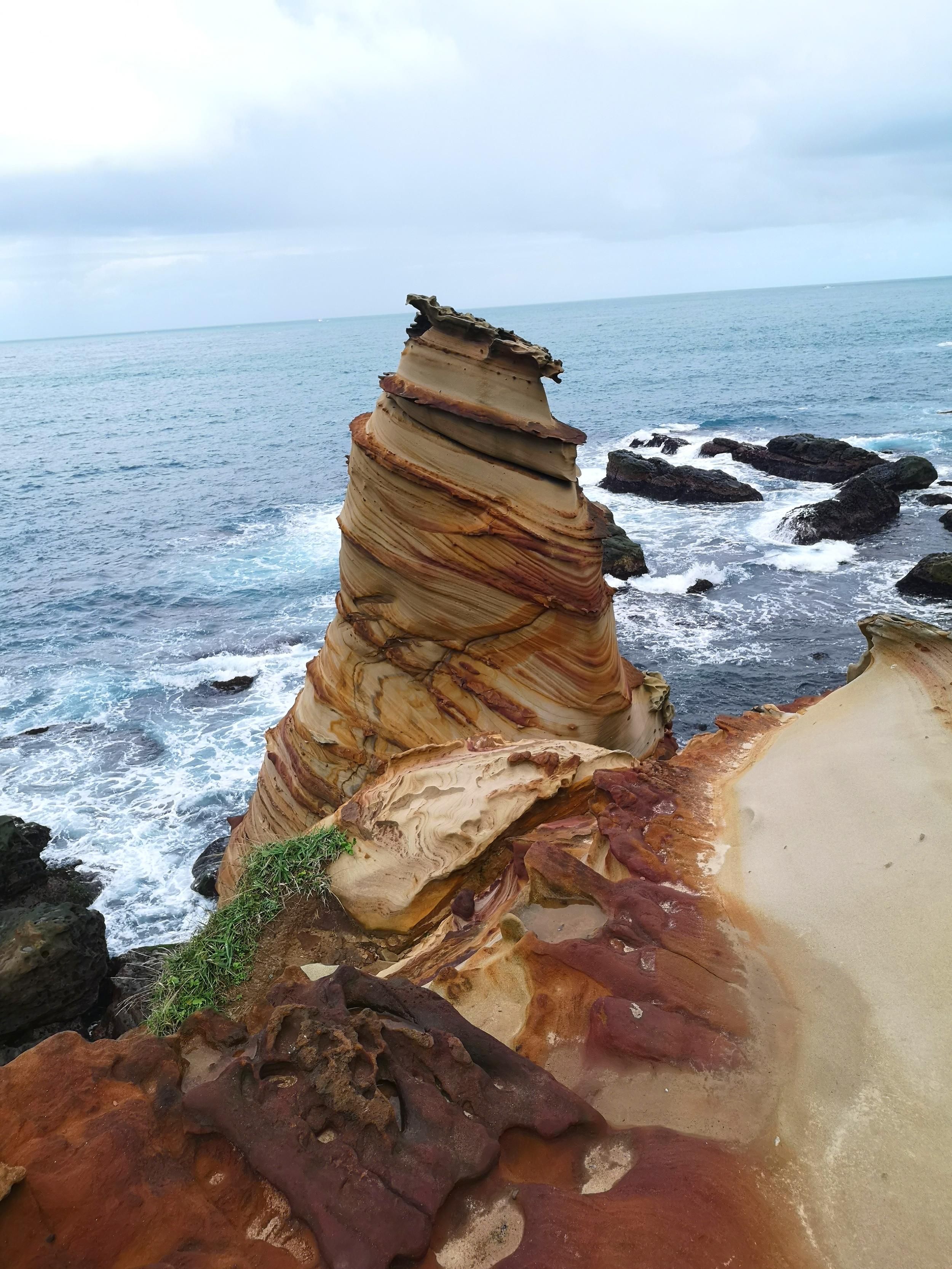 Nanya Rock Formation croissant