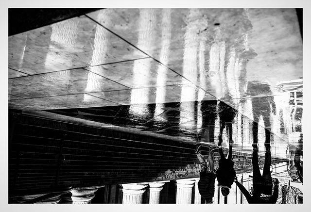 St Paul's in the rain . . . . . #streetfinder  #odtakeovers #fromthestreets #bestofstreet #capturestreets #loupemagazine #lensculturestreets #eyesopentalent #dpsp_street #storyofthestreets #streetgrammer #street_storytelling #_streetscenes #nonstopstreet #streetsacademy #timeless_streets #photoobserve #street_focus_on #myspc #streetgrammer #bw_mania #capturestreets #streetgrammer #eyeshotmag #eyesopentalent #mydaidia #friendsinstreets #toprepostme #thestreetcoop  @street_photography_london  @streets_unseen @streetphotographyinternational @eyeshot_magazine @street.classics @street.finder  @street.lens.mag @odtakeovers