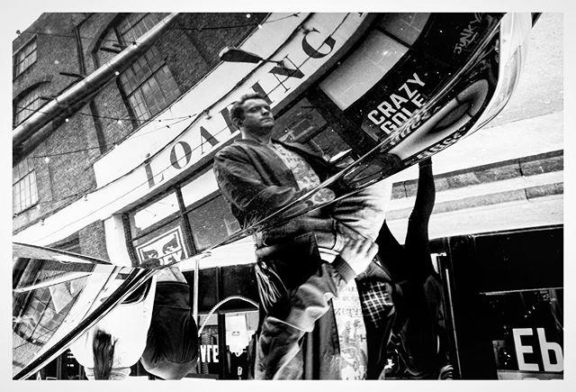 A flip from the Eastend . . . . . . . . #streetfinder  #odtakeovers #fromthestreets #bestofstreet #capturestreets #loupemagazine #lensculturestreets #eyesopentalent #dpsp_street #storyofthestreets #streetgrammer #street_storytelling #_streetscenes #nonstopstreet #streetsacademy #timeless_streets #photoobserve #street_focus_on #myspc #streetgrammer #bw_mania #capturestreets #streethunters #eyeshotmag #eyesopentalent #mydaidia #friendsinstreets #toprepostme #thestreetcoop  @street_photography_london  @streets_unseen @streetphotographyinternational @eyeshot_magazine @street.classics @street.finder  @street.lens.mag @odtakeovers
