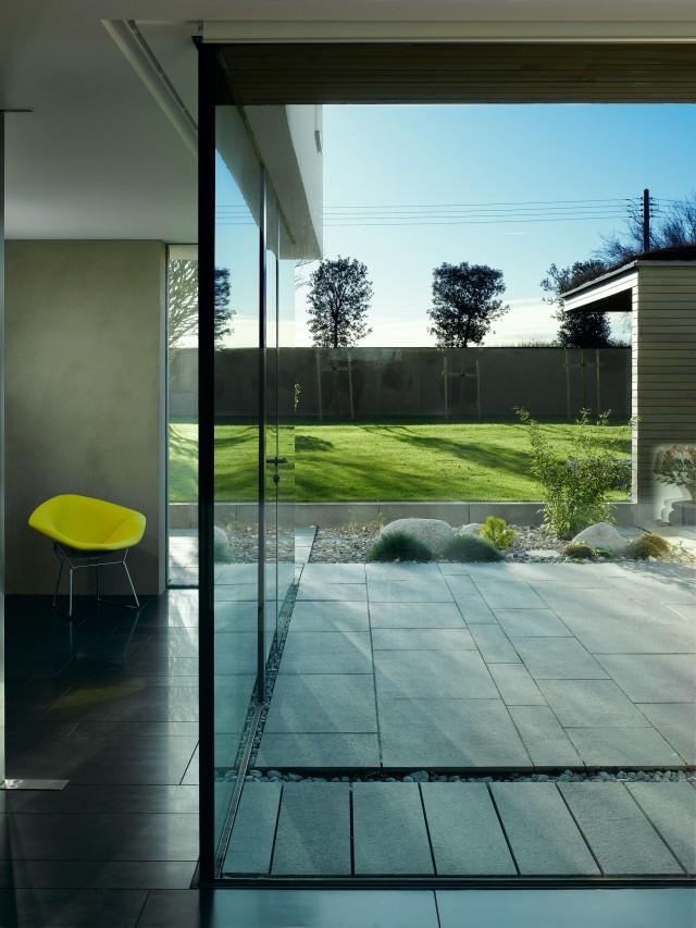 mikhail-riches-vance-house-external-spaces-002-640x853.jpg