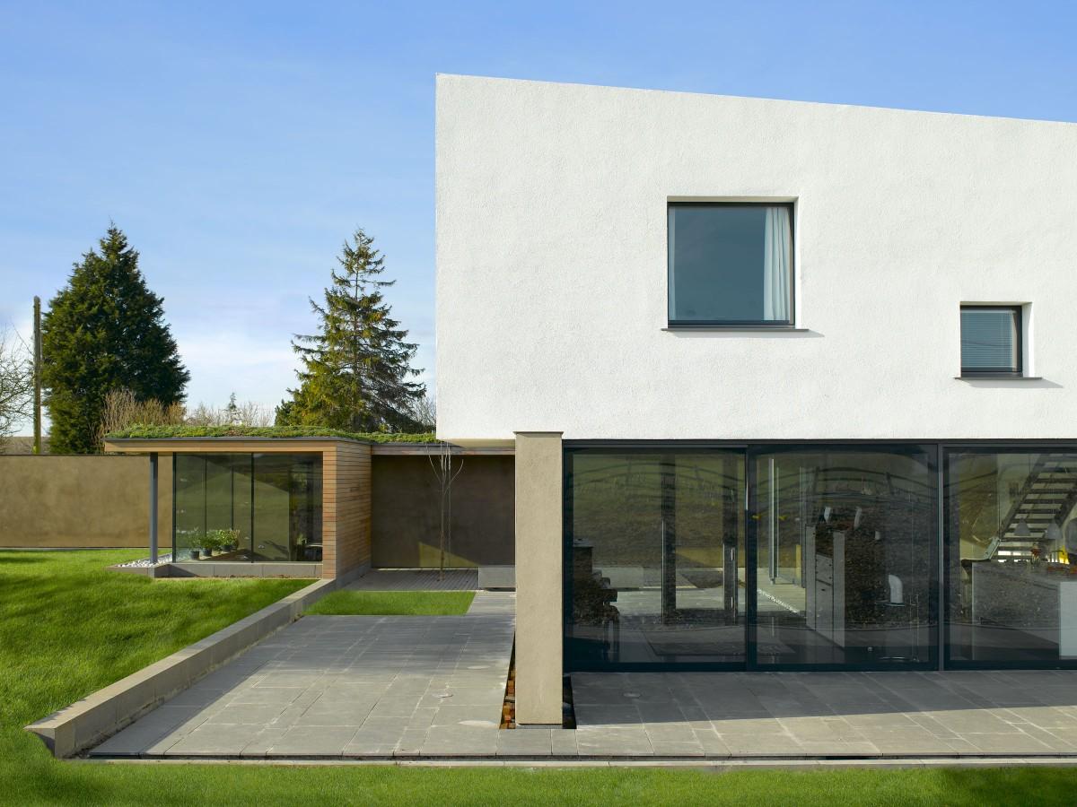mikhail-riches-vance-house-site-issues-001-1200x900.jpg