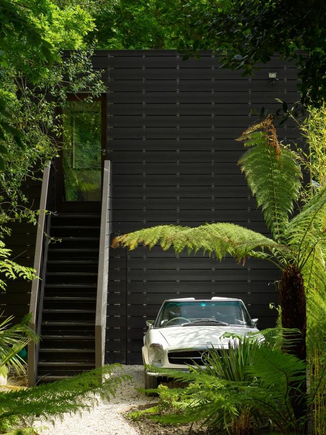 mikhail-riches-terrace-house-002LQ-640x853.jpg
