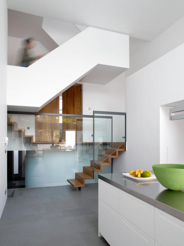 mikhail-riches-terrace-house-006-640x853.jpg