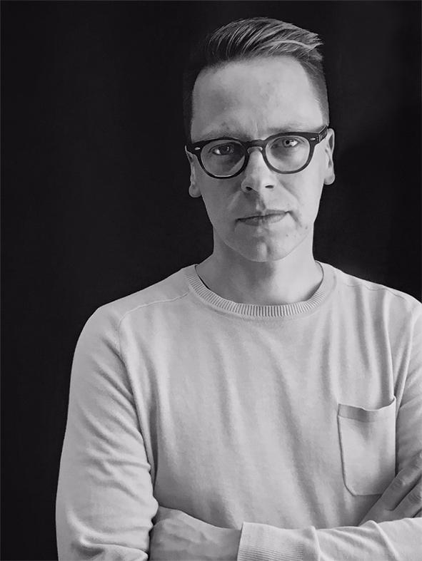 Grafiker Mikael Paananen - Mikael jobbar som lärare i grafisk design på Yrkeshögskolan Novia. Under åren har han lett många nya grafiker och illustratörer ut i arbetslivet. Han är en passionerad typograf och ständigt uppdaterad inom den grafiska världen.