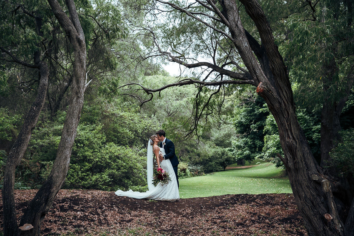 BeLINDA & BEN - Caves House HotelWe are all Stardust