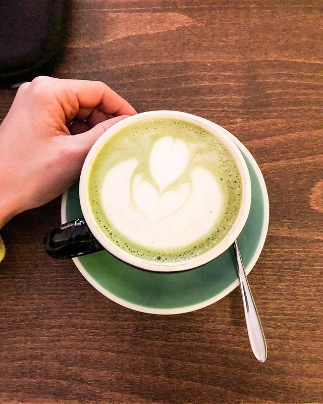 Matcha Latte on a Sunday 🍵 love the one at @auercoffee specially since they use @oatly and it just tastes great. Have a wonderful Sunday. #zurich #sunday #matchalatte • • • • • • • #zurichcafes#cafeszurich#caffeincouture#instacoffee#coffeelover#coffeeaddict#cafeculture#Zürilove#coffeefliicks#cofeegram#cafehopping#feedfeed#eattheworld#yahoofood#coffeeshopvibes#butfirstcoffee#thehappynow#coffeenclothes#vscocoffee#coffeemood#sundayfunday #weekend #weekendvibes
