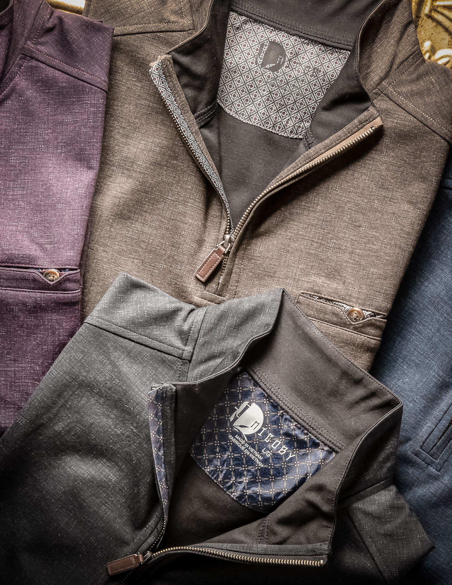 PERFORMANCE QUARTER-ZIP WITH WOVEN PRINT