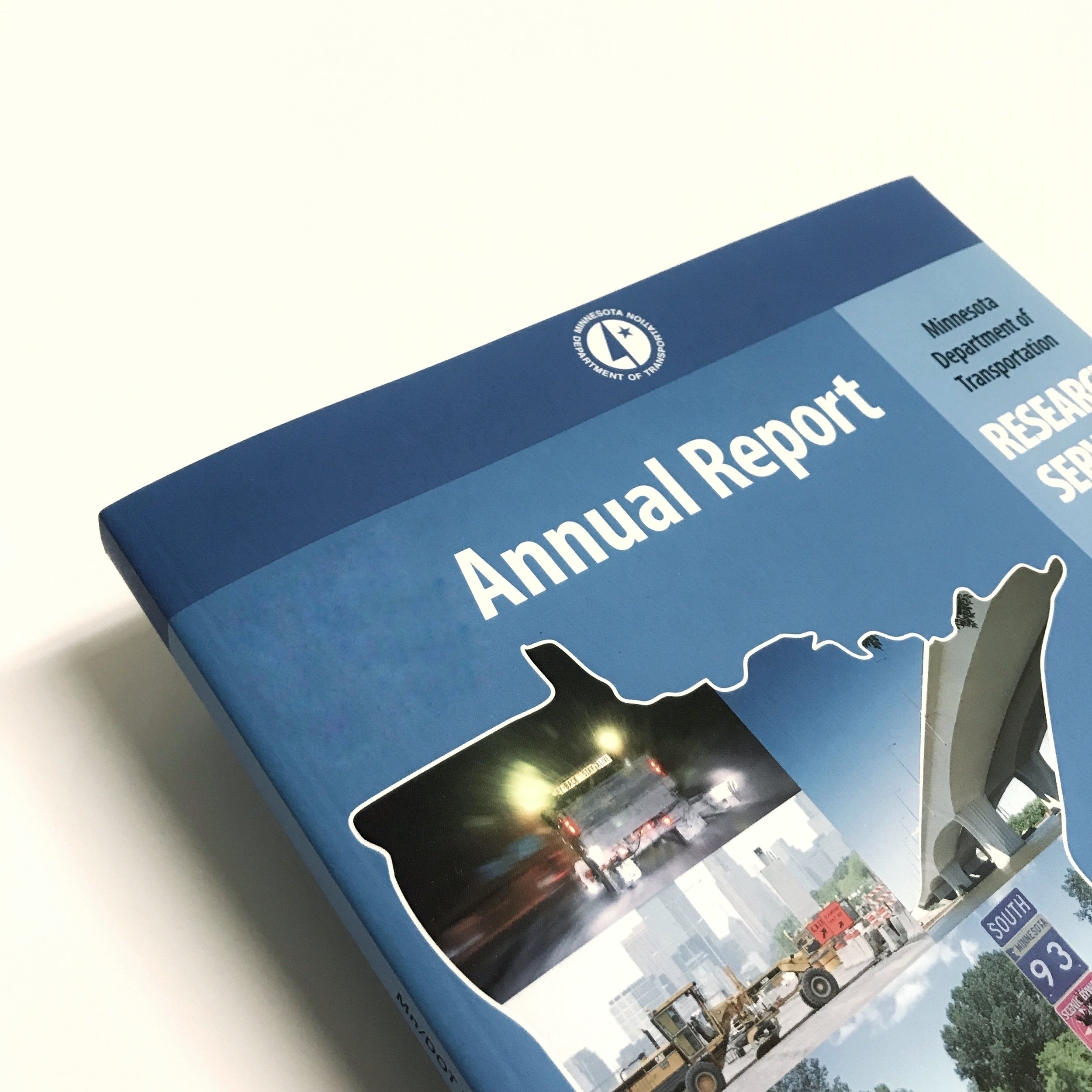 Government industry booklet report printed in Minnesota