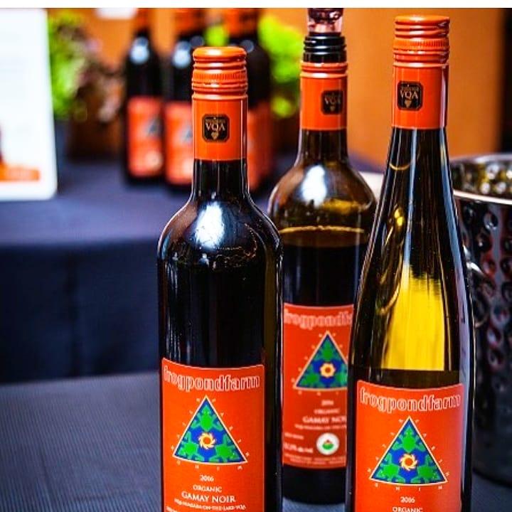 Frogpond Farm Organic Winery  produces organic vegan wine in the Niagara region.