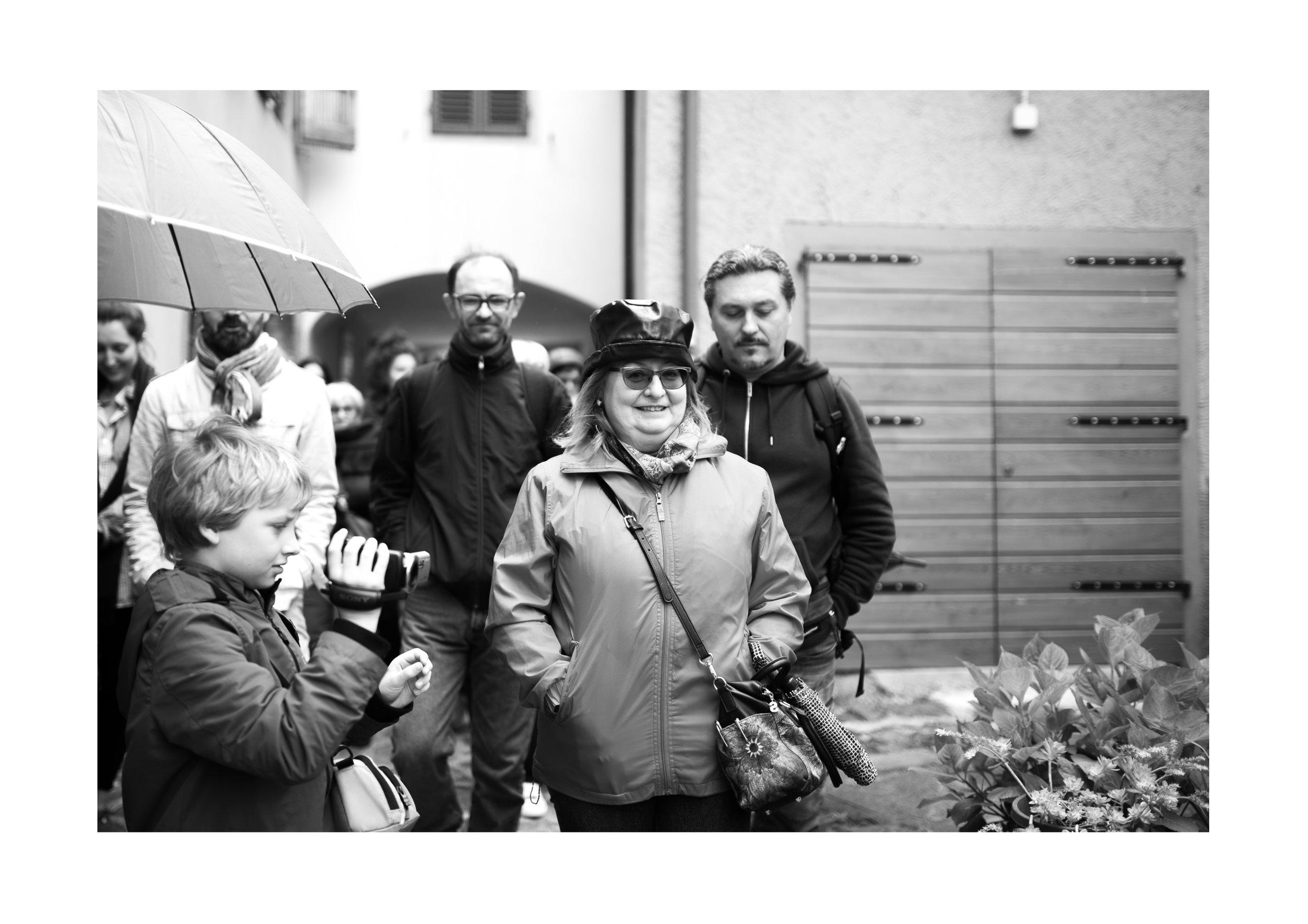 """Simonetta Paloscia a Castagno il 12 Maggio 2019, durante il percorso lento """"Il borgo museo"""" - Foto: Rachele Salvioli."""