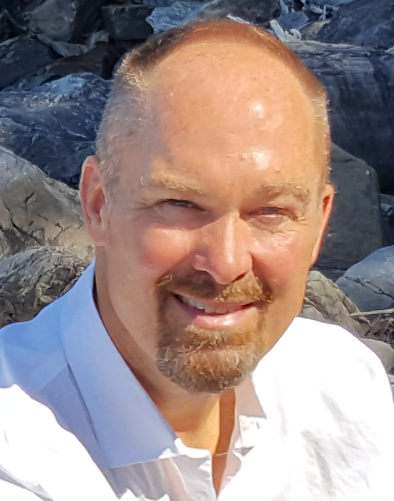 Bob Rognlien, Headshot 07-17 (1).jpg