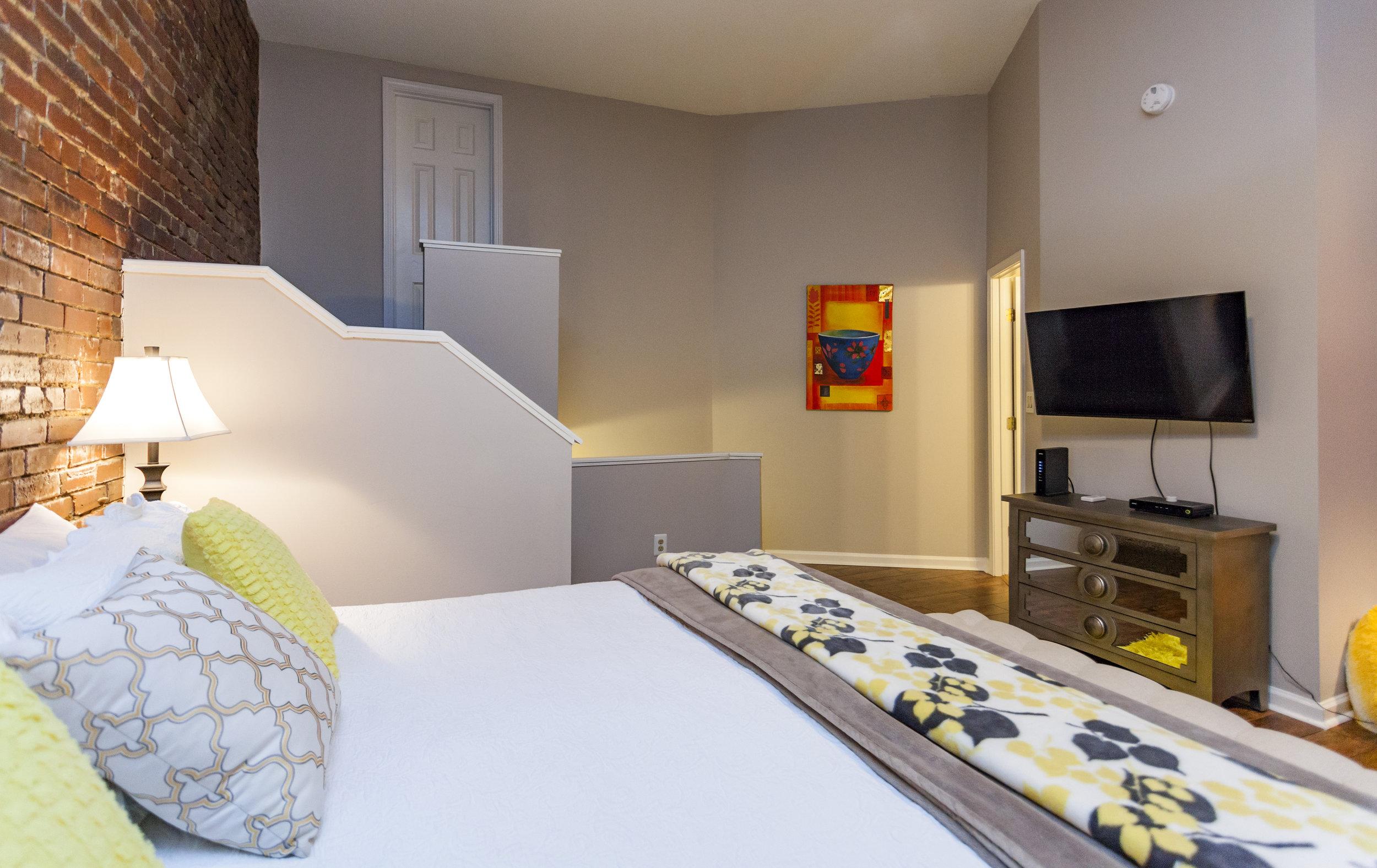 Bedroom rental Music City