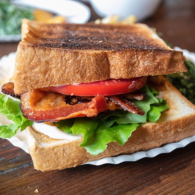 BLT on Japanese milk bread 🍞 🍞 🍞 🍞 🍞 🍞 🐷 🍅  Do you toast a BLT?  I say YES ✅ . . . #blt #sandwich #bacon #milkbread #lunch #japanesemilkbread #fridaylunch