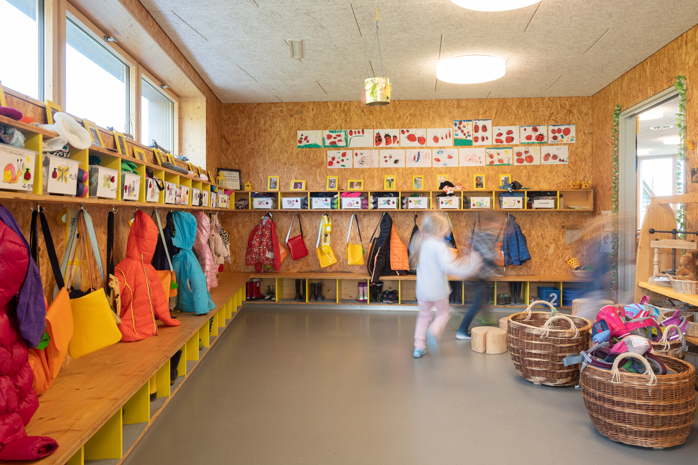 Kindergarten_B007_0002_small.jpg