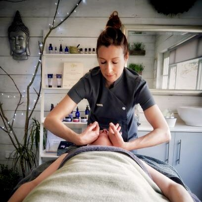 Nerys+Holt+holistic+therapist+based+in+reynoldston+gower